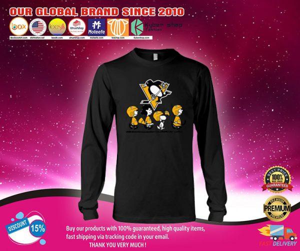 Boston Bruins snoopy Charlie Brown longsleeve Shirt.