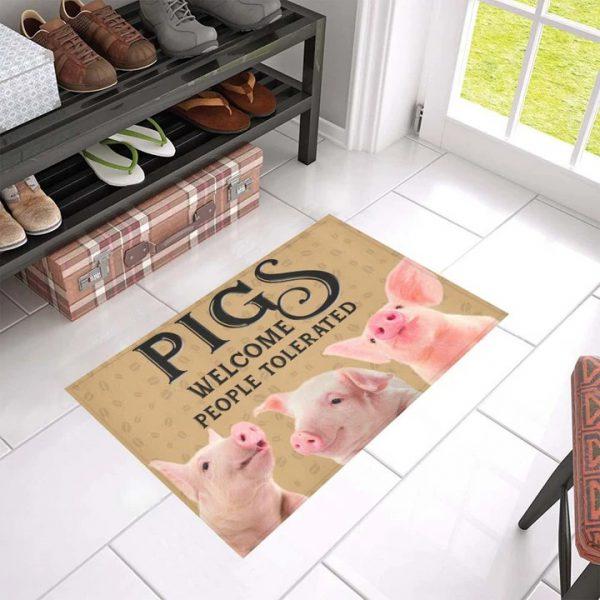 Pig welcome people tolerated doormat