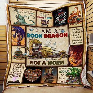 I am a book dragon not a worm quilt