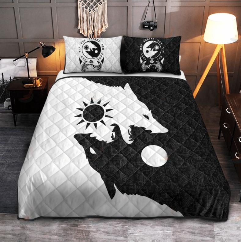 Viking skoll and hati bedding set2
