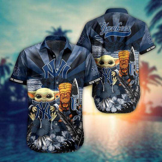 10 Newyork Yankees Baby Yoda Hawaiian Shirt 1 1