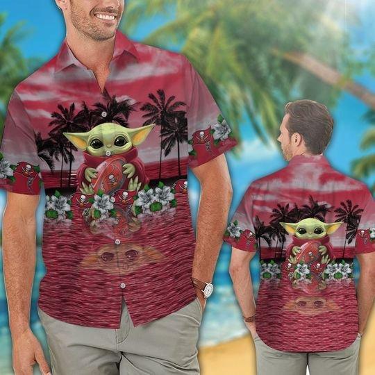 31 Tampa Bay Buccaneers And Baby Yoda Hawaiian Shirt Short 1