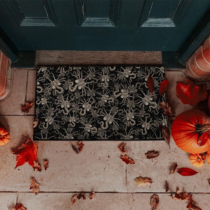 Face Hugger Pattern Doormat2